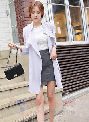 气质风衣_图女风衣新款图片展示3款气质风衣时尚有质感