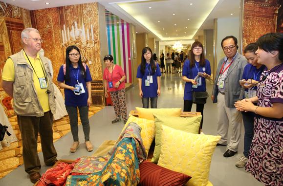 21个国家和组织专家考察丝绸家纺企业达利丝绸